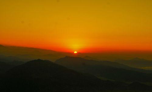 Sunrise,seen,from,sarangkot,,pokhara