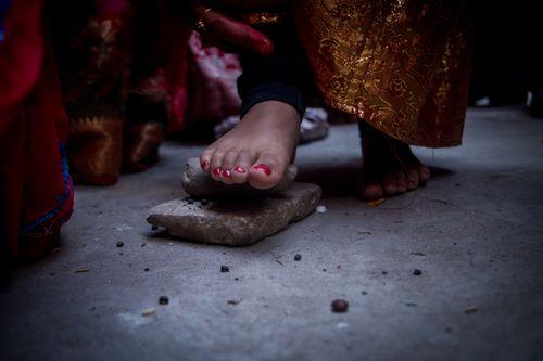 newari,girl,performing,rituals