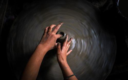 making,clay,art,pot,bhaktapur,nepal