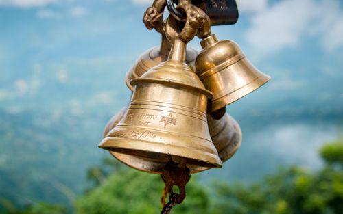 traditional,ringing,bell,manakamana,temple,nepal