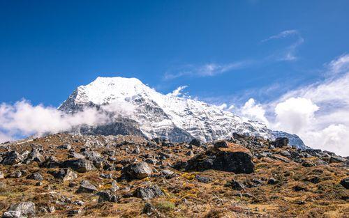 shining,mount,takargo,range,tsho,rolpa,lake,dolakha,nepal