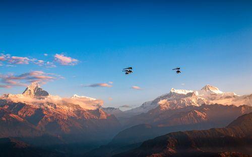 flying,ultralight,aircraft,annapurna,mountain,range,pokhara,nepal