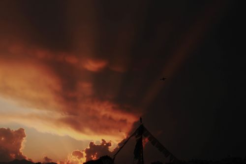 lovely,evening,shows,aeroplane,sun,tear,clouds,show