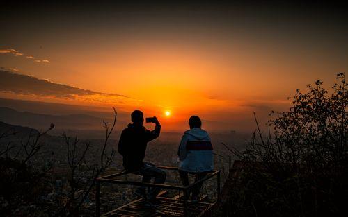 watching,beautiful,sunrise,tree,kathmandu,valley,nepal