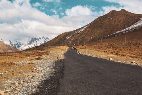 road,mountains