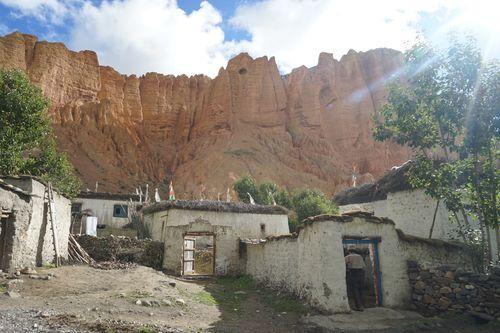 dhakmar,village,upper,mustang,nepal