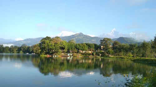 beautiful,phewa,lake,surrounding