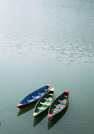 boats,rest,fewa,lake,pokhara