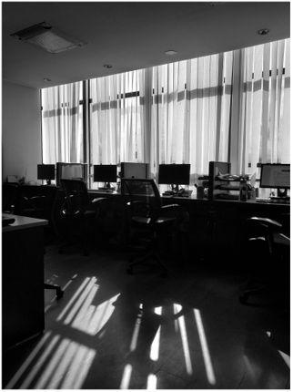 empty,office,lit,morning,sun