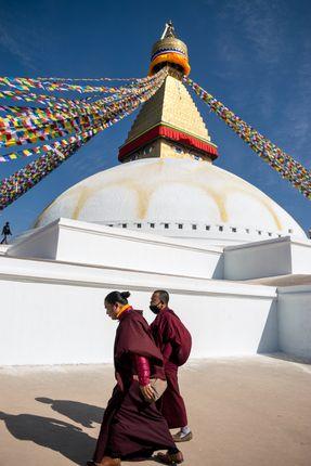 monks,walking,largest,stupas,world,boudhanath,stupa,boudha,kathmandu