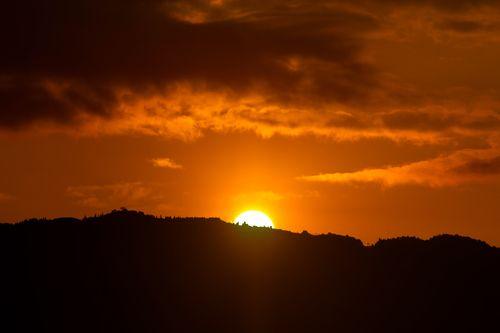 beautiful,view,sunrise,hills😍😍😍