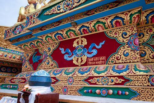art,golden,statue,buddha,park,swayambhunath,kathmandu,nepal
