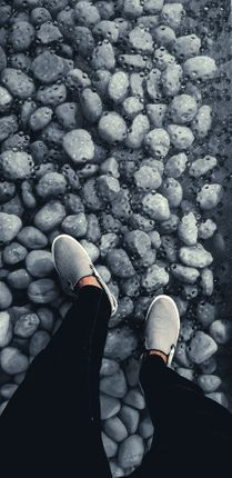 picture,grey,shoes,main,subject,person,perspective