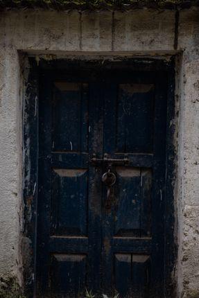 locked,door
