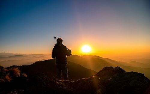 traveler,watching,beautiful,sunrise,bethanchok,hight,kavre,nepal