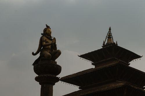 garuda,statue,hand,gesture,namaste,greeting,patan,durbar,square,nepal