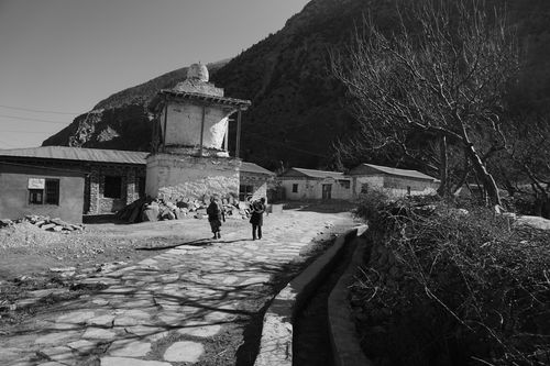 street,chairo,village,lower,mustang,nepal
