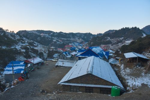 kuri,village,snow,covered,dolakha,nepal